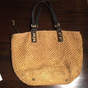 Michael kors straw bag w leather straps